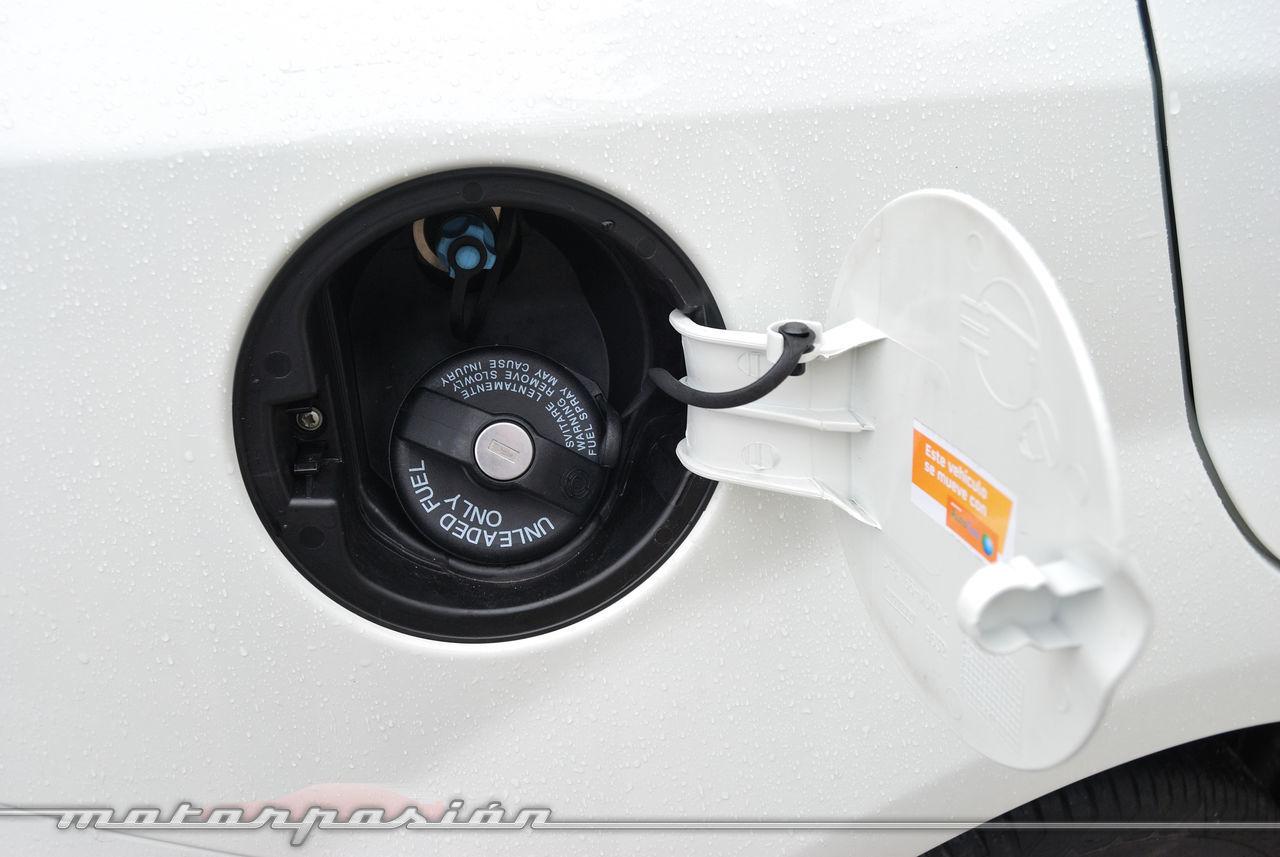 Foto de Fiat Punto 1.4 GLP (prueba) (46/70)