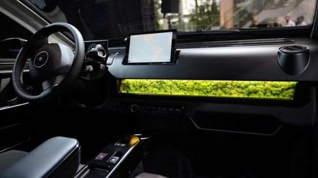 Sion Solar Car Interior 2 750x500