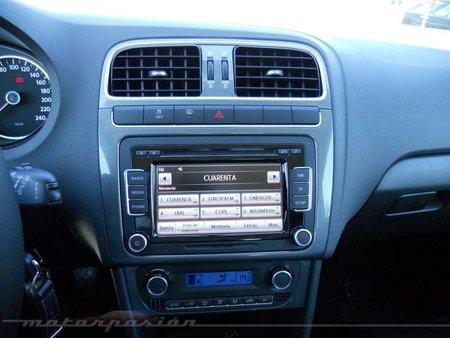 Volkswagen Polo interior 2