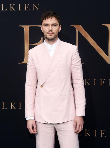 Nicholas Hoult Vuelve A Triunfar Con Un Look De Dior Men En La Alfombra Roja 02