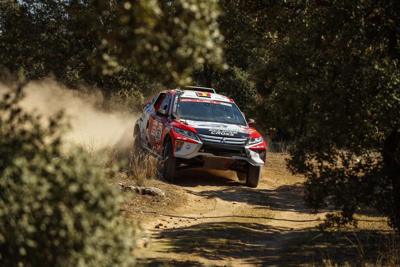 Foto de Mitsubishi Eclipse Cross Proto Dakar (13/38)
