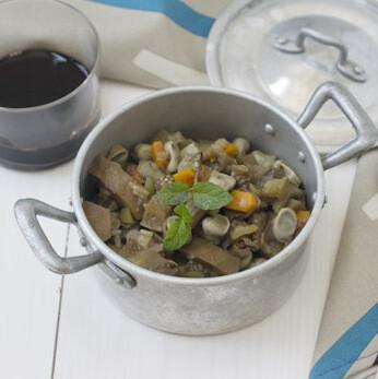 Cocina o estofado de berenjenas y habas, receta saludable para disfrutar de las verduras