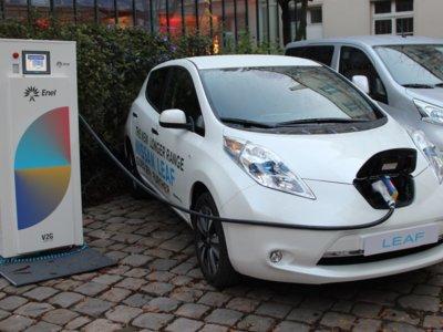"""Nissan tiene un plan para las baterías de sus coches eléctricos: hacerlas """"inteligentes"""" y darles una segunda vida"""