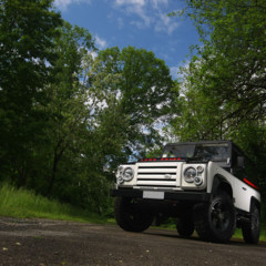 land-rover-defender-by-anzom
