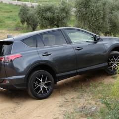 Foto 21 de 25 de la galería prueba-toyota-rav4-hybrid-exteriores-coche en Motorpasión