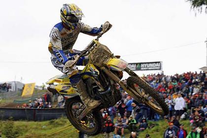 Kevin Strijbos gana en el peor GP de Coppins