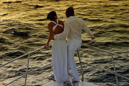 Los novios siguen sin recortar gastos en el viaje de bodas