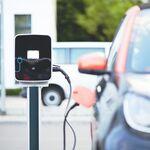 Ni un solo cargador para coches eléctricos en 100 km: el problema de buena parte de la Unión Europea