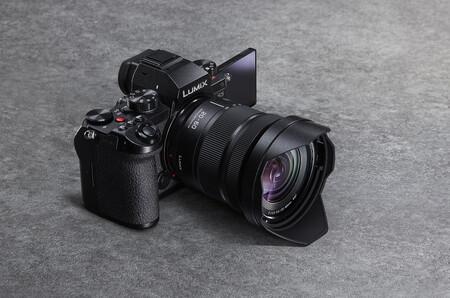 Lumix S5 2