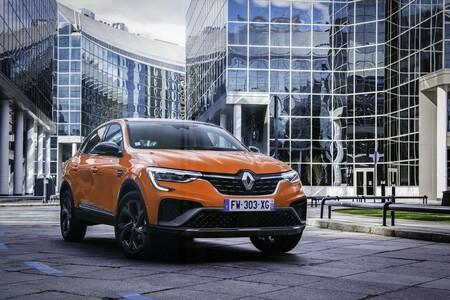 Probamos el Renault Arkana E-TECH: el primer SUV coupé de Renault llega con 145 CV, etiqueta ECO y más confort que dinamismo