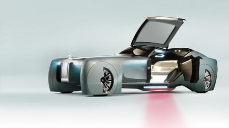 ¡Adiós a los V12! Rolls-Royce sólo venderá coches eléctricos en 2040