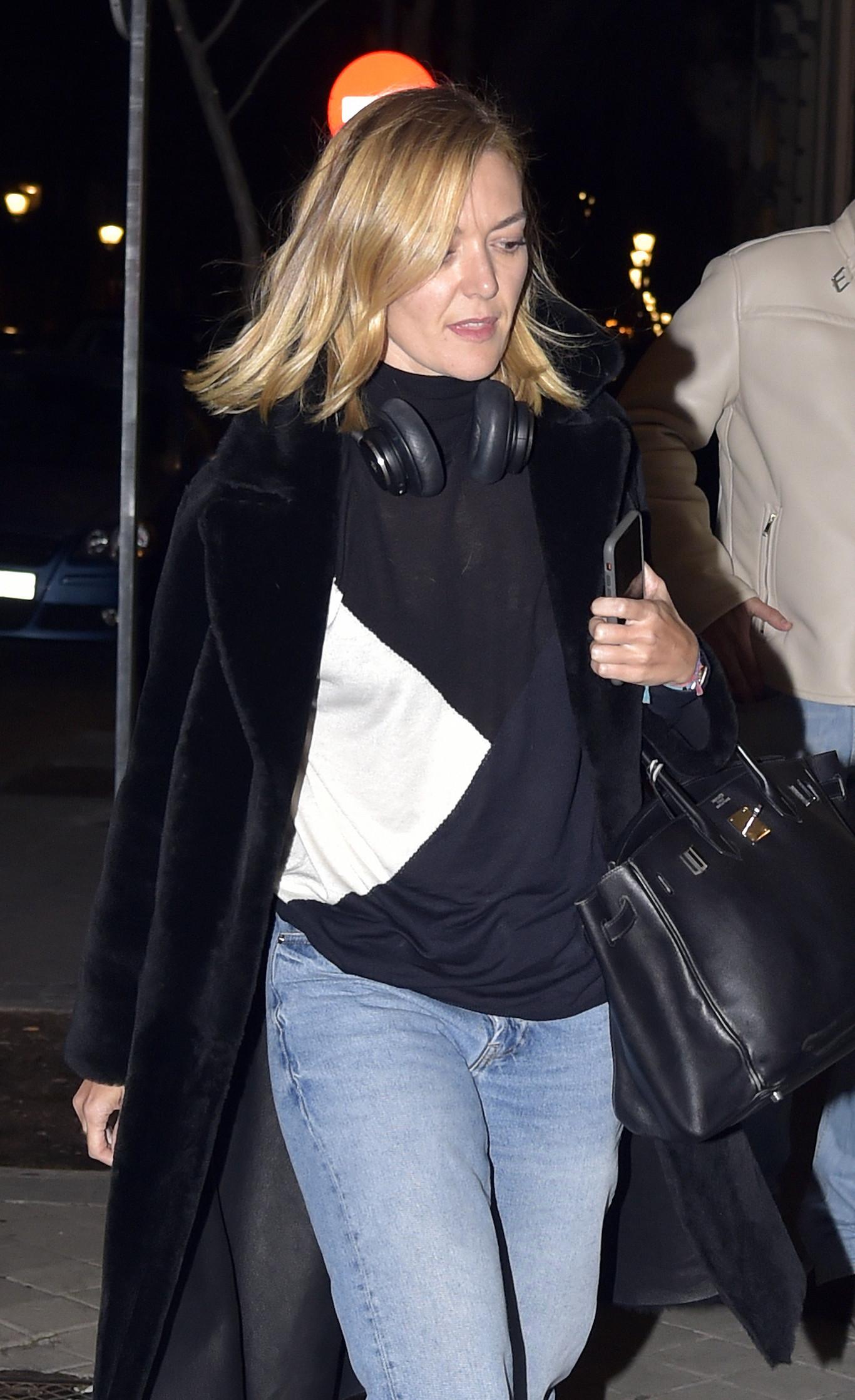 Venta anticipada Ánimo acceso  Marta Ortega luce las famosas zapatillas Balenciaga Triple S. ¿Tenemos clon  de Zara a la vista?