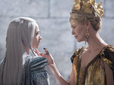 Charlize Theron, Jessica Chastain y Emily Blunt tres bellezas en 'Blancanieves: El cazador y la reina de hielo'