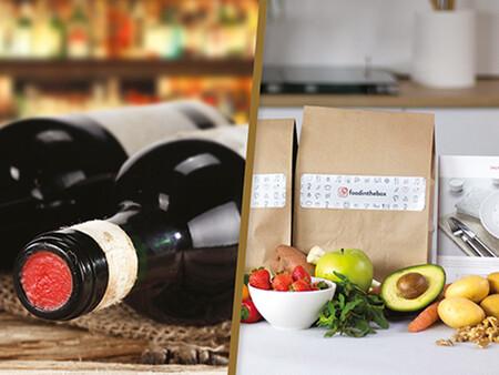 2 botellas de vino y 1 caja con recetas e ingredientes para cocinar en pareja