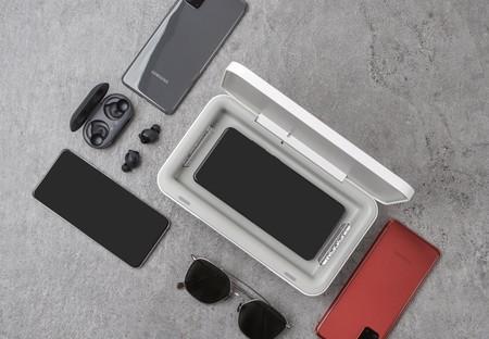 El último cargador de Samsung (además de cargar) dice esterilizar el teléfono con rayos ultravioleta