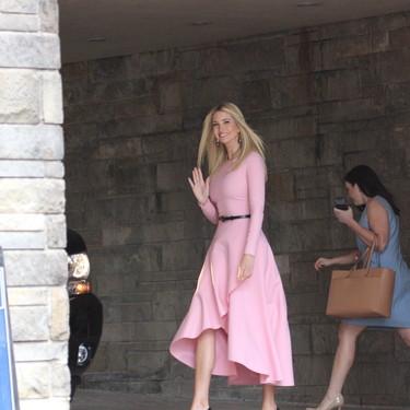 El color rosa invade la Casa Blanca: el look de Ivanka Trump podría conquistar a muchas este verano
