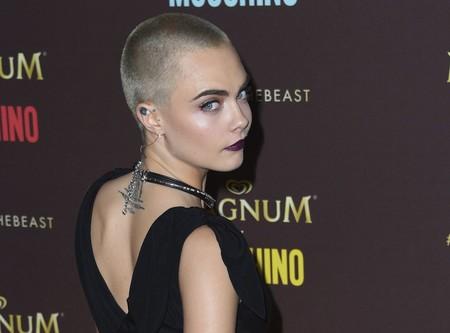 Cara Delevingne deslumbra con su look más dark en la fiesta de Moschino x Magnum
