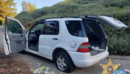 Detenido en California un conductor bajo los efectos de las drogas por intentar reparar un pinchazo con tiritas