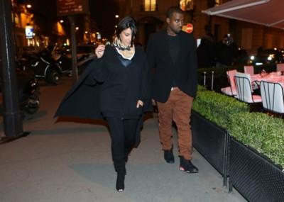 Cómo lucir embarazo cuando eres Kim Kardashian