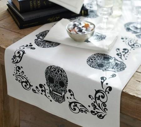 Elegantes platos para ensalada especiales para d a de muertos for Camino mesa moderno