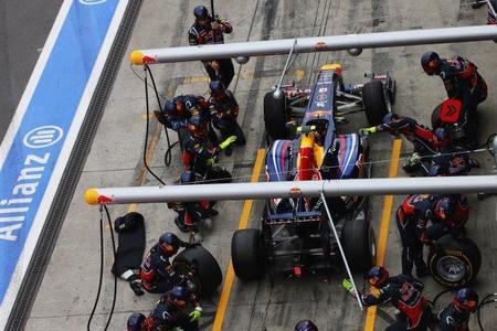 GP de Hungría F1 2011: Red Bull se quedó a hacer horas extra