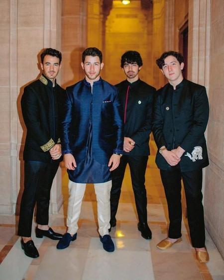 Revive Los Increibles Looks Que Vistio Nick Jonas En Su Boda Con Priyanka Chopra 4