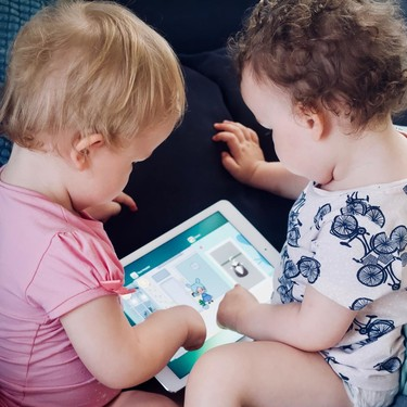 Los niños menores de 12 meses que usan pantallas táctiles parecen mostrar diferencias en cuanto a su atención a largo plazo