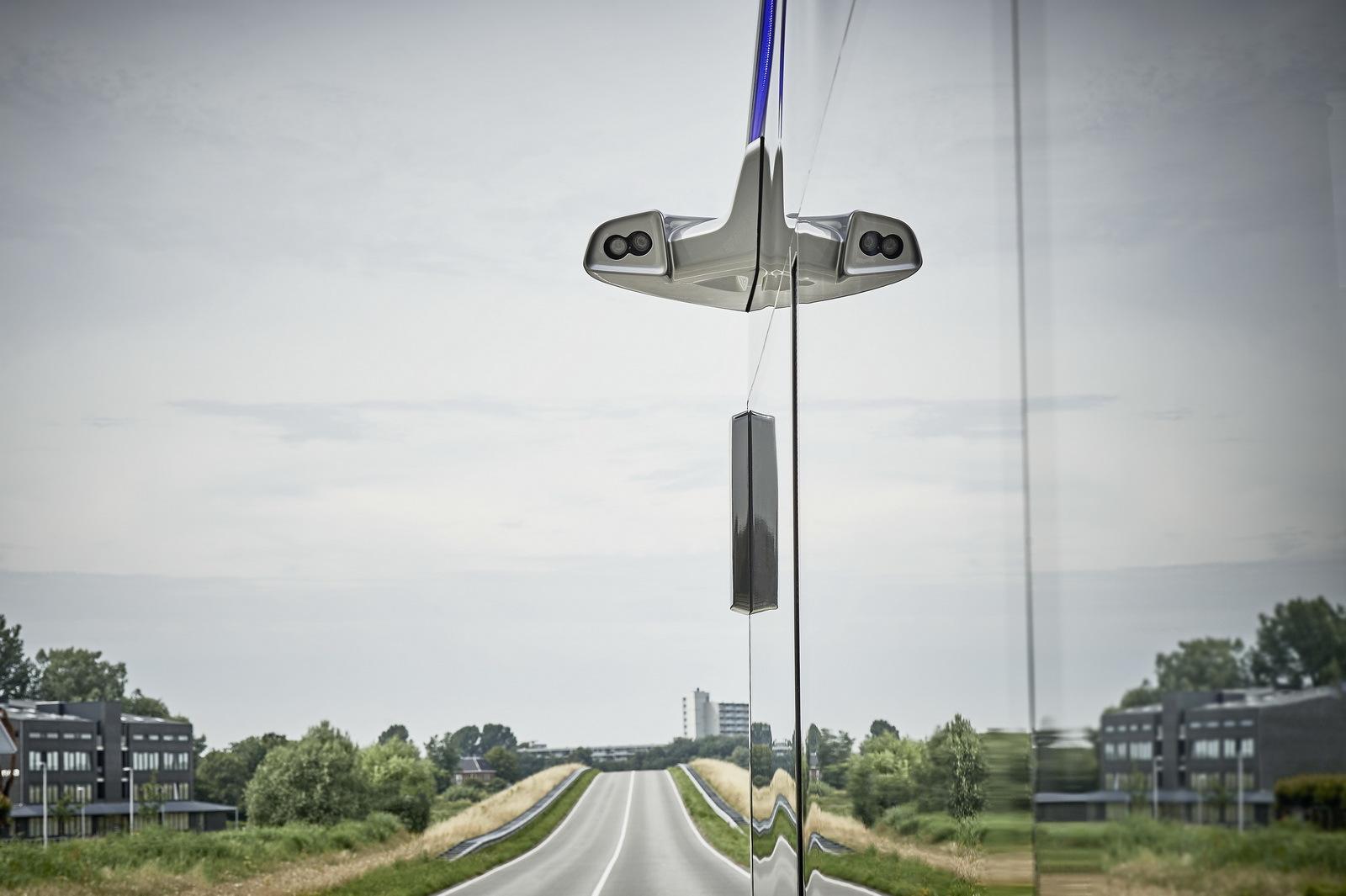 Foto de Mercedes-Benz Future Bus (9/36)