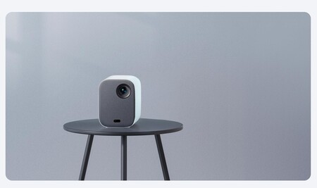 Xiaomi Mi Smart Projector 2, un Android TV de hasta 120 pulgadas que te puedes llevar a cualquier parte