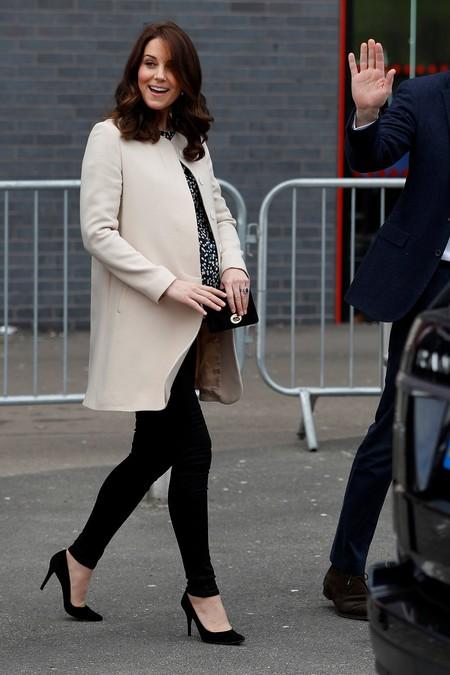 Kate Middleton está a punto de dar a luz, y éstos han sido sus impecables looks premamá de su tercer embarazo