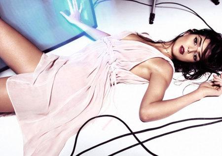 Hoss Intropia campaña Primavera-Verano 2012 con Clara Lago más sexy que nunca