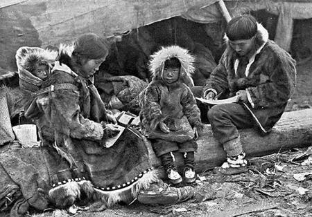 Eskimo Family Ngm V31 P564 2