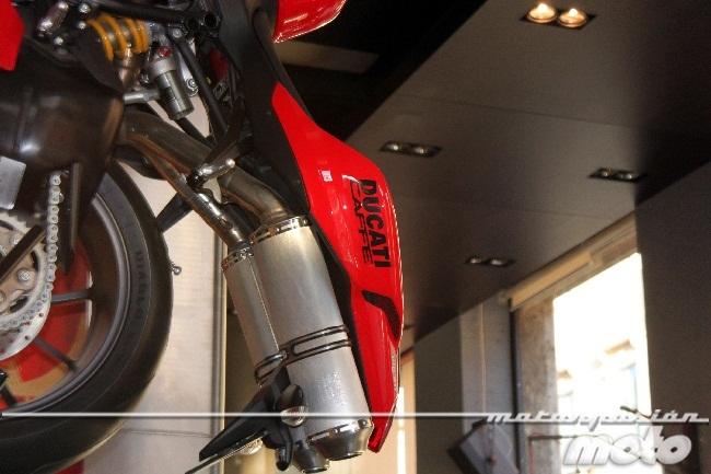 Ducati 1198 del Ducati caffe