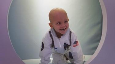 Se inaugura la primera 'estación lunar' para los niños con cáncer en un hospital español