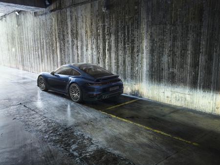 Porsche 911 Turbo 2021 11