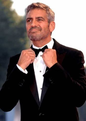 A George Clooney le da corte enseñar su Gran Capitán