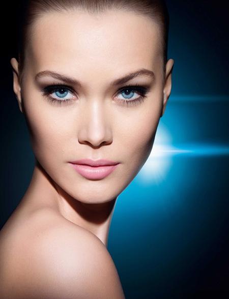 """Lancôme presenta su """"Teint Visionnaire"""", un dos en uno: corrector y maquillaje"""