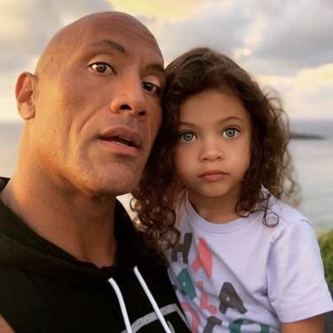 """""""Soy una niña maravillosa"""": la lección que 'La Roca' quiso que su hija aprendiera el Día Internacional de la Mujer"""