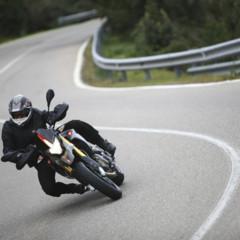 Foto 9 de 30 de la galería aprilia-dorsoduro-factory-2010 en Motorpasion Moto