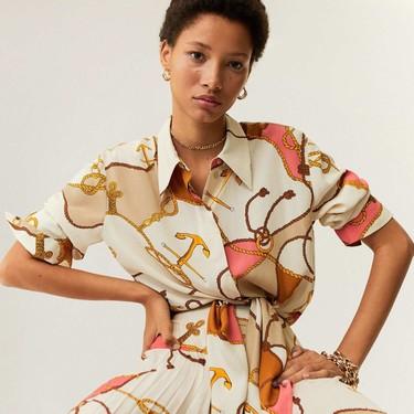 El scarf print invade la nueva colección de Mango y se resume en 13 prendas