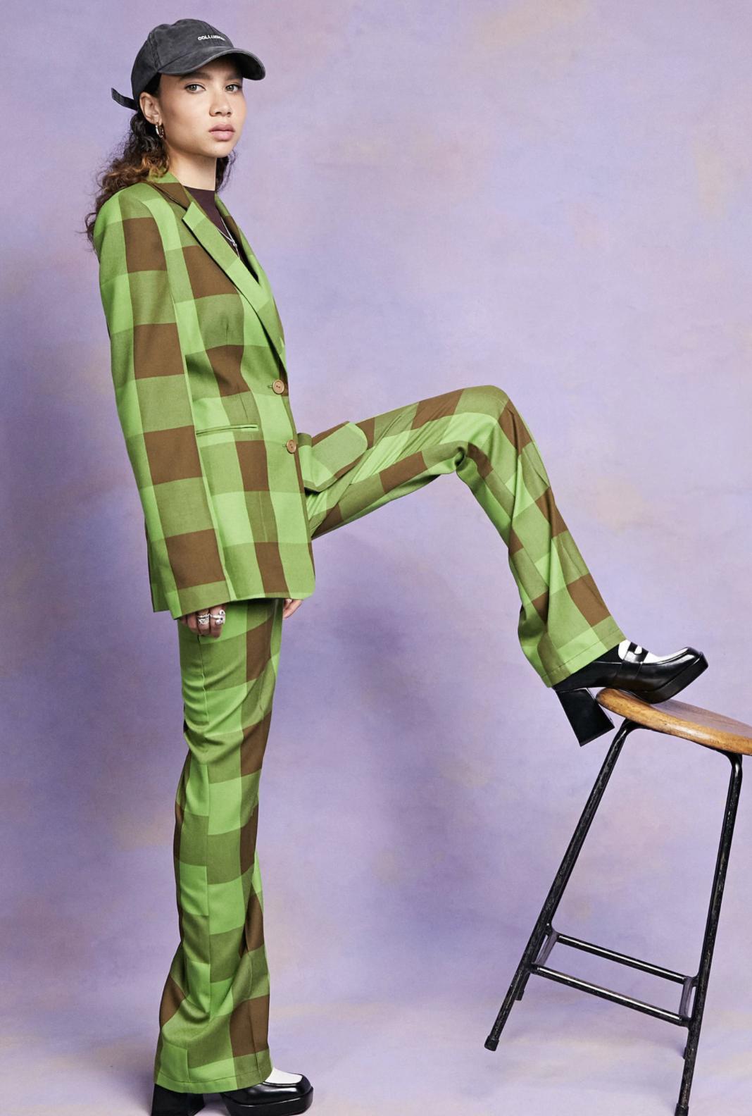 Pantalones de campana a cuadros verdes y marrones de COLLUSION