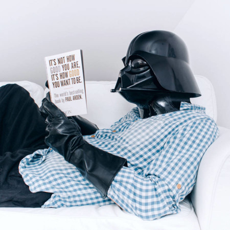 Serie de fotos de un día normal en la vida de... ¿Darth Vader?