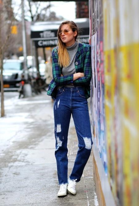 A tu madre la vas a tener contenta: llega la fiebre de los mom jeans