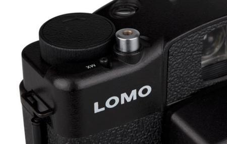 Lomography tiene «en el horno» la muy interesante LC-A 120, una cámara compacta de película