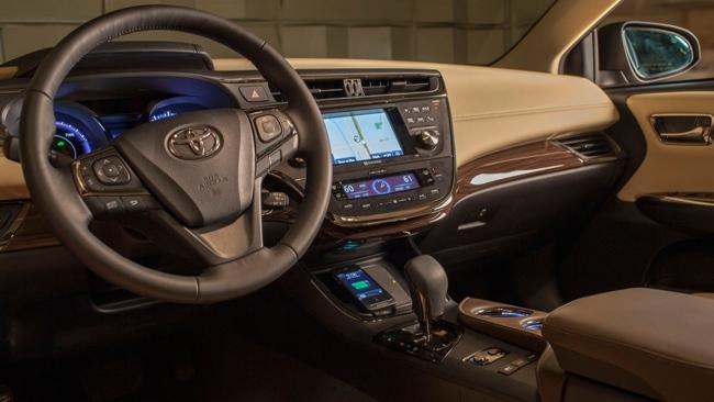 Toyota Avalon con cargador inalámbrico