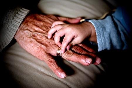 manos-de-abuelo