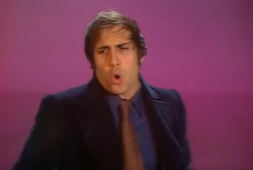 """Así es como Adriano Celentano troleó a toda Italia en los 70: esta canción """"en inglés"""" triunfó y su letra no tenía ningún sentido"""