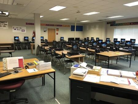 Lo que se espera un estudiante de 1º de informática y lo que se va a encontrar en realidad (2021)