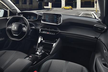 Peugeot 208 2020 interior