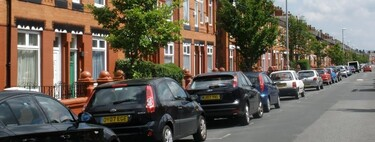 800€ al año por aparcar en tu calle: el impuestazo de Londres al extrarradio que marca el futuro del coche